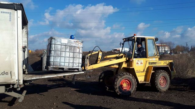 Уклоњено 260 тона опасног отпада на Новосељанском путу, још толико ускладиштено у Баваништу