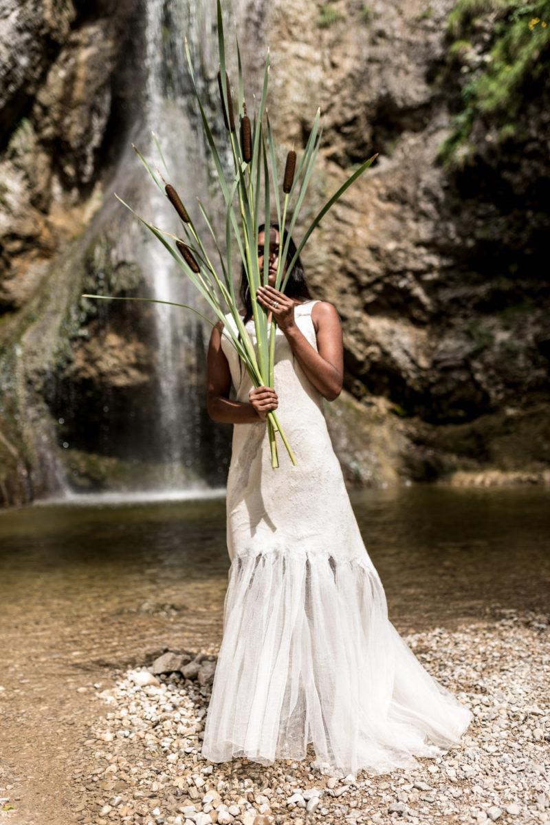 Brautkleid aus Wolle und Organza