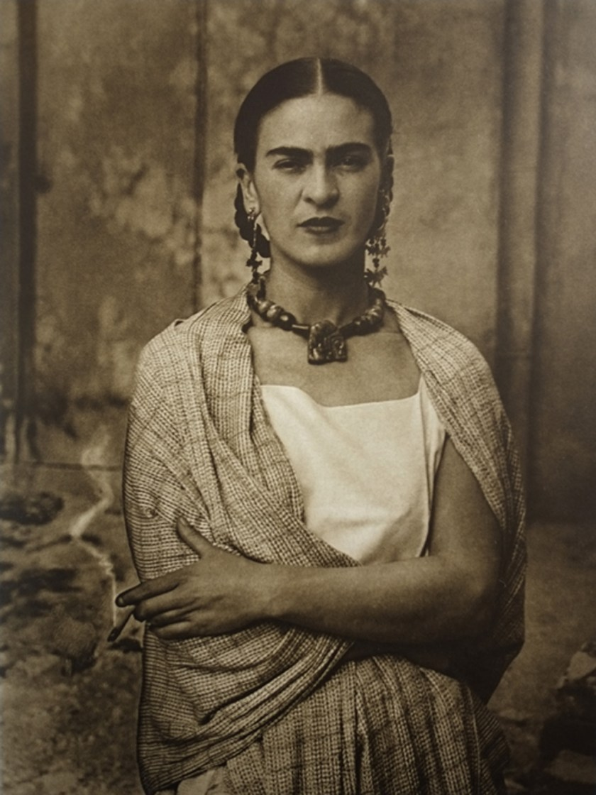 "alt=""Frida Kahlo"""