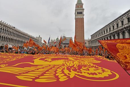 25 Aprile: A San Marco festa per gli indipendentisti veneti