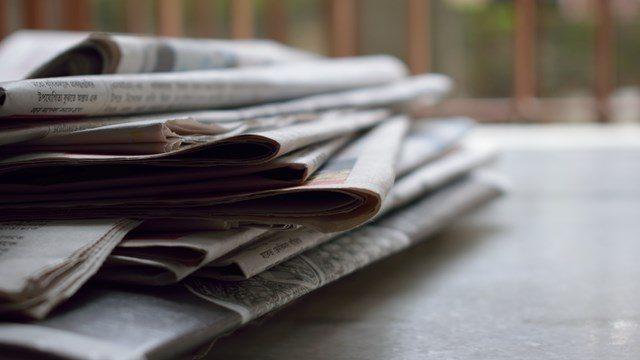 Giornali sovrapposti