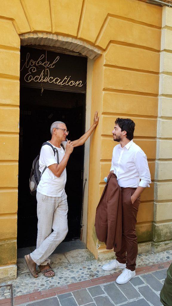 Castelbasso borgo di cultura, a sinistra l'artista Mario Airò con il curatore Simone Ciglia
