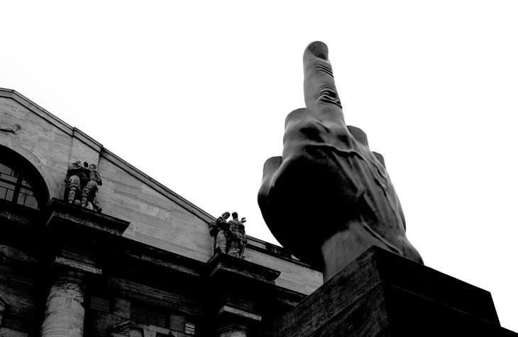L.O.V.E. - acronimo di libertà, odio, vendetta, eternit