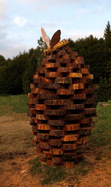 Nido . Land Art. Melere Trichiana Anno 2014