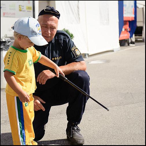 Polisens charmoffensiv på STCC Karlskoga