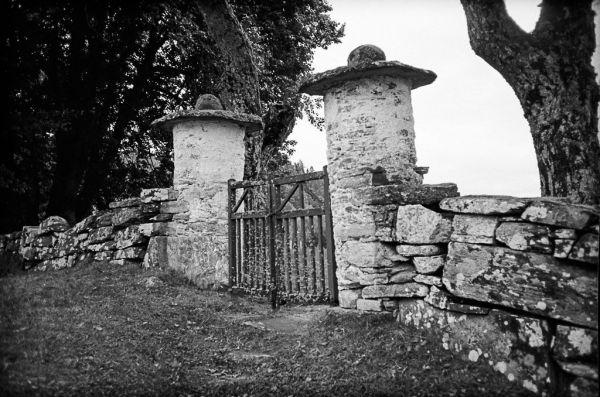 closing the gate 20120929_13-2