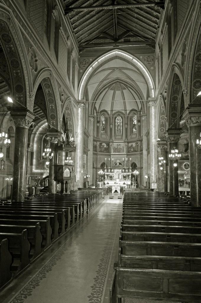 Pasiunea unui episcop pasionist   Catedrala romano-catolică Sfântul Iosif