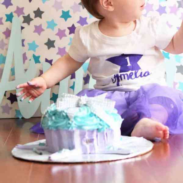 A Busy Mom's Guide to Stress-Free DIY Smash Cake Photography