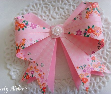 Origami Cherry Blossom Tutorial via @paper_kawaii