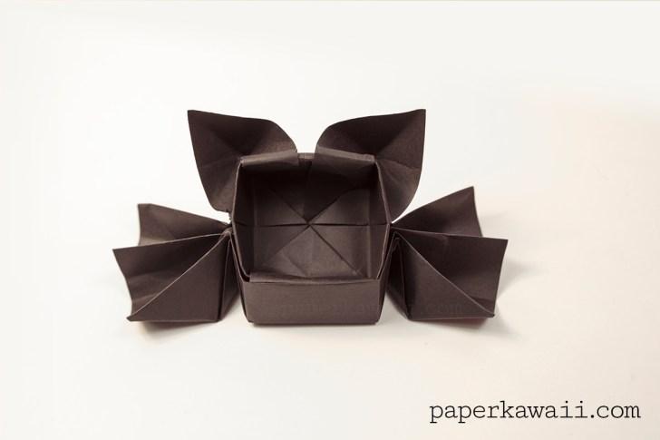 Origami Spider or Bat Candy Box - Halloween via @paper_kawaii