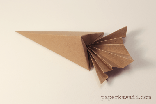 Origami Carrot Box Video Tutorial via @paper_kawaii