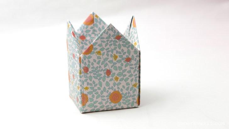 Tall Origami Crown Box Instructions via @paper_kawaii
