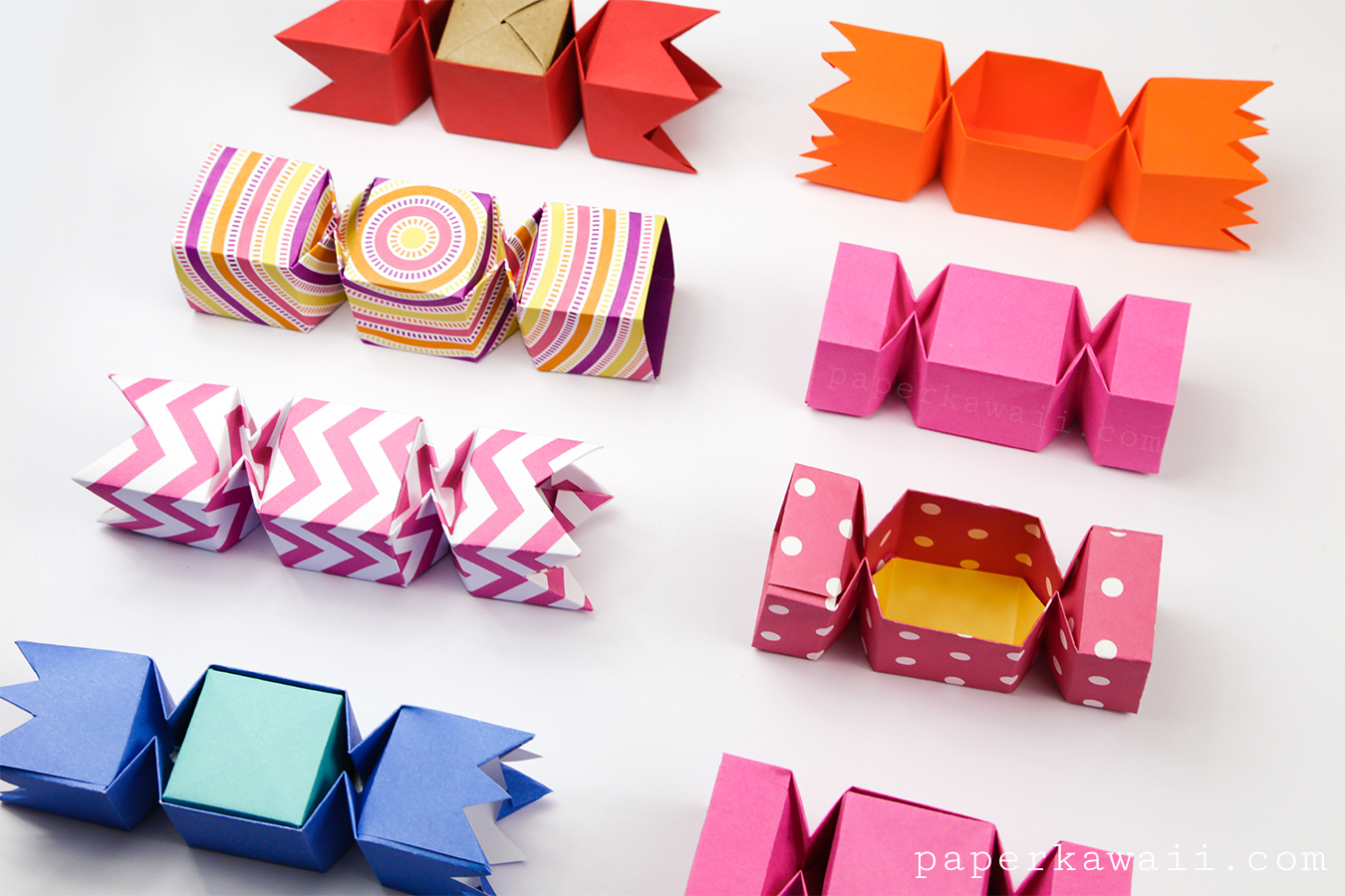 square-origami-candy-boxes-lined-up