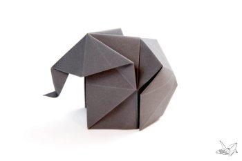 Origami Elephant Tutorial via @paper_kawaii