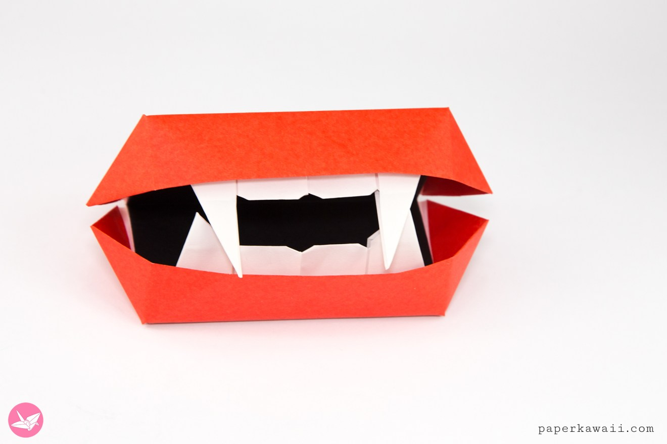 Moving Origami Vampire Mouth Toy Tutorial via @paper_kawaii