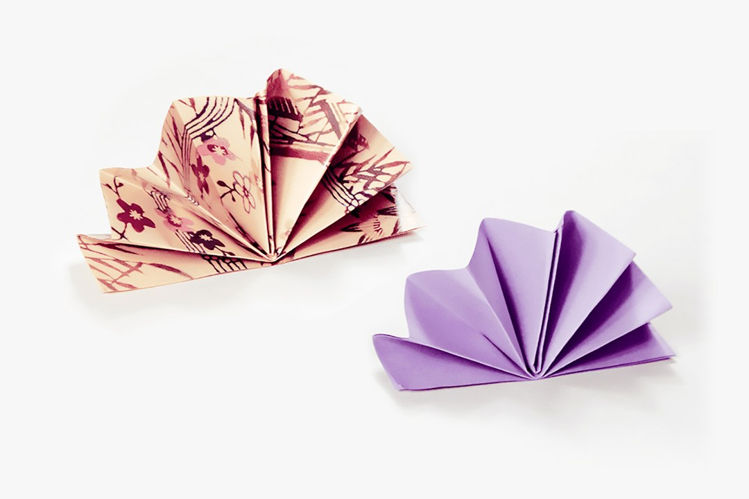 Napkin Fan via @paper_kawaii