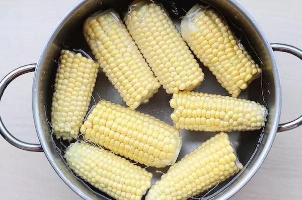 Maïs cuit à l'eau ©Fotosr52 shutterstock