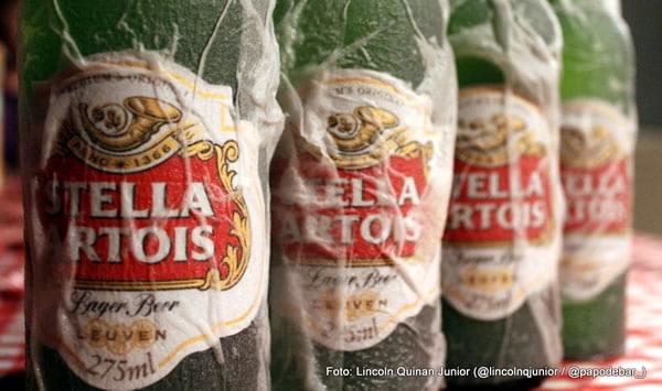 Garrafas da cerveja Stella Artois