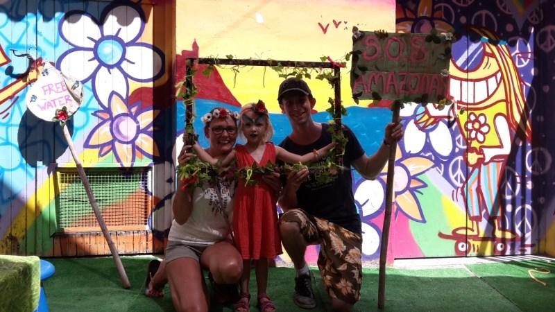 Ibiza markt met kinderen