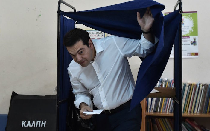 Alexis Tsipras casts his vote