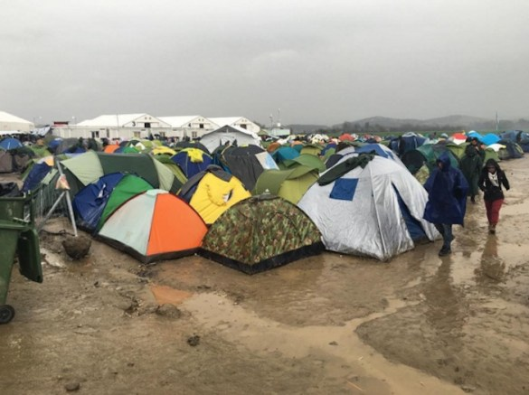 (Photos) Humanitarian Crisis on Greek Border Intensifies as US Assistant Sec. of State Visits Region
