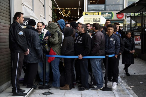 (Photos) American Invention Black Friday Hits Greece; Greek Government Condemns as Tacky American Over-Consumption Trick