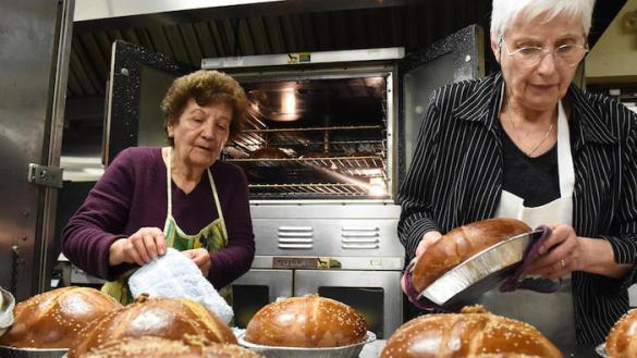 Baltimore Women Bake for Needy During 35 Year Christmas Bread Baking Tradition