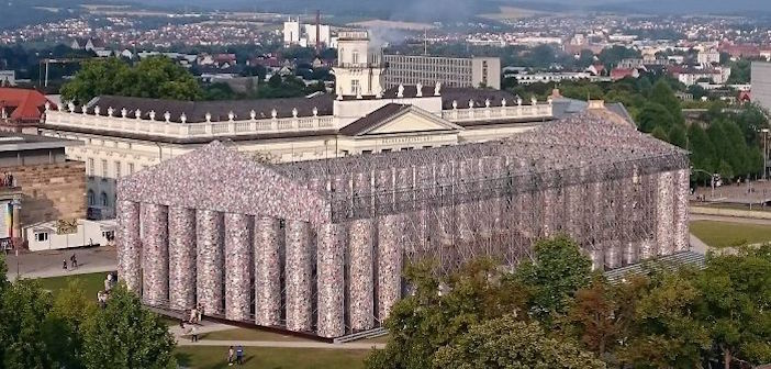 100,000 Banned Books Used to Recreate Parthenon