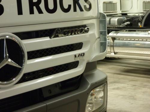truck-v8