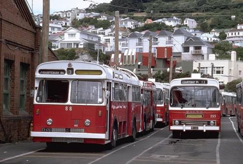 trolley-w-volvo255