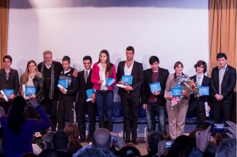 """Deportistas adaptados recibieron los premios """"Islas Malvinas"""""""