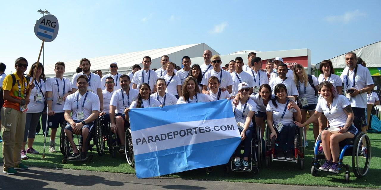La bandera argentina flamea en la Villa Paralímpica