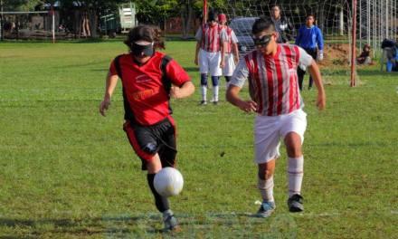 Fútbol para ciegos: Libertad y Achadec mandan en la Zona Noreste
