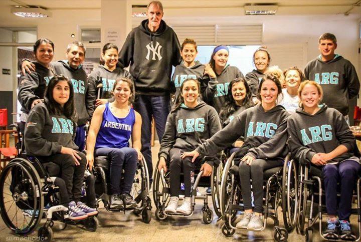 Básquet femenino: la Selección recibió la visita de Finito Gehrmann
