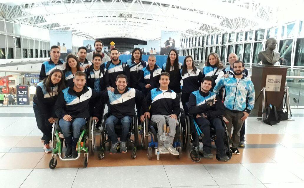 La delegación argentina de natación, rumbo al Mundial de México
