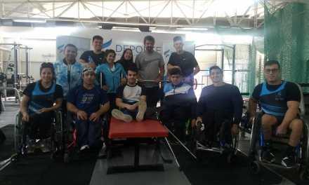 Torneo de levantamiento de pesas en el CENARD