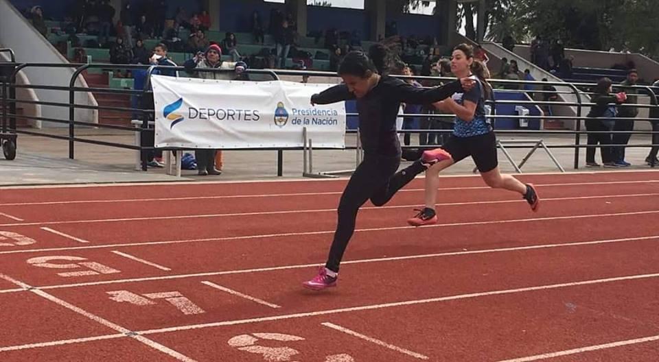 Atletismo: Yanina Martínez compitió en el CENARD
