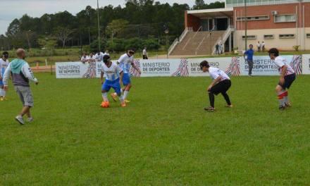 Fútbol para ciegos: ACHADEC y Libertad, semifinalistas