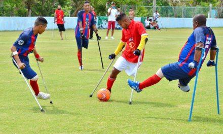 ¿Cómo se juega al fútbol para amputados?