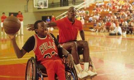 Las inéditas imágenes de Michael Jordan jugando al básquet sobre silla de ruedas