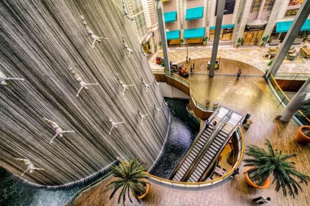 Fontein 10 - The Divers Fountain, Dubai