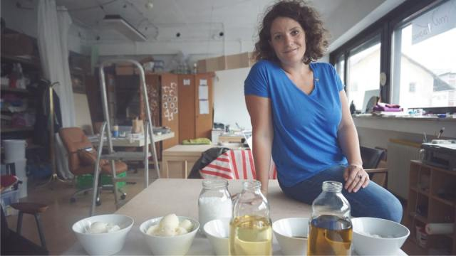 VAWAA - Anja Tomazic - Zeep maken 1