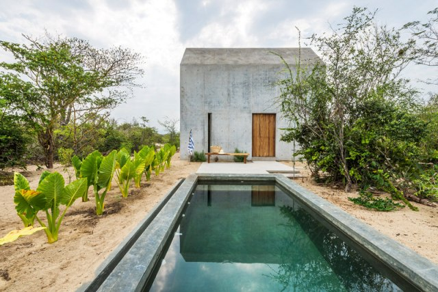 Swimming-Pool-of-Casa-Tiny-in-Mexico-on-Airbnb