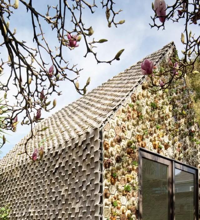 Om een groen huis mee te bouwen: bouwblokken met plantenbakken