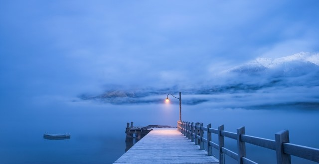 Een gedicht van Rutger Kopland over een ontmoeting met eenzaamheid