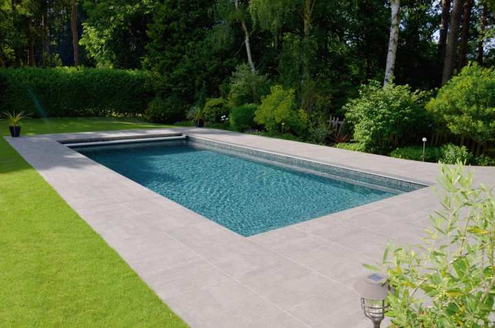 luxe one piece fiberglass swimming pools | paramount pools