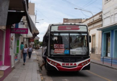 Colectivo de la línea 5 - Paraná