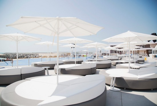 zero_gravity_dubai_outdoor_furniture_pool_parasol0025 - Garden Furniture Dubai