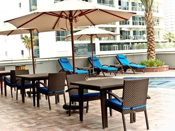 Projects parasol outdoor furniture dubai for Outdoor furniture dubai