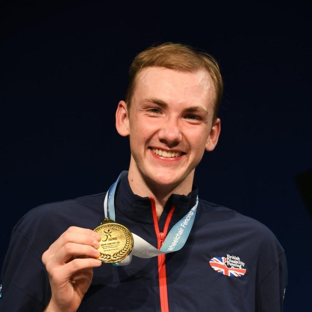 Piers Gilliver ze złotym medalem MŚ z 2019 roku. Fot. Yuka Fujita